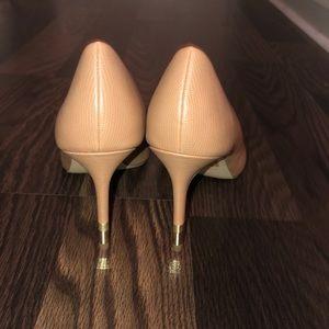 NEW Tan with gold heel heels
